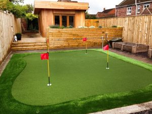 artificial putting green in garden